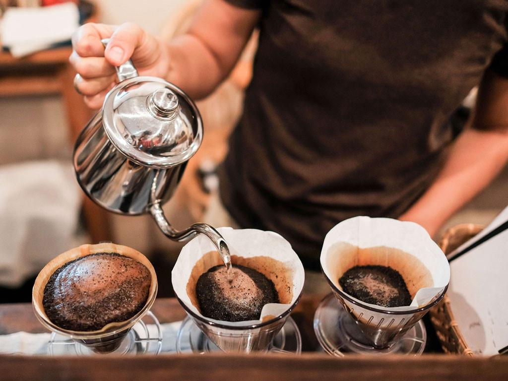 Ly cà phê rang thơm ngon