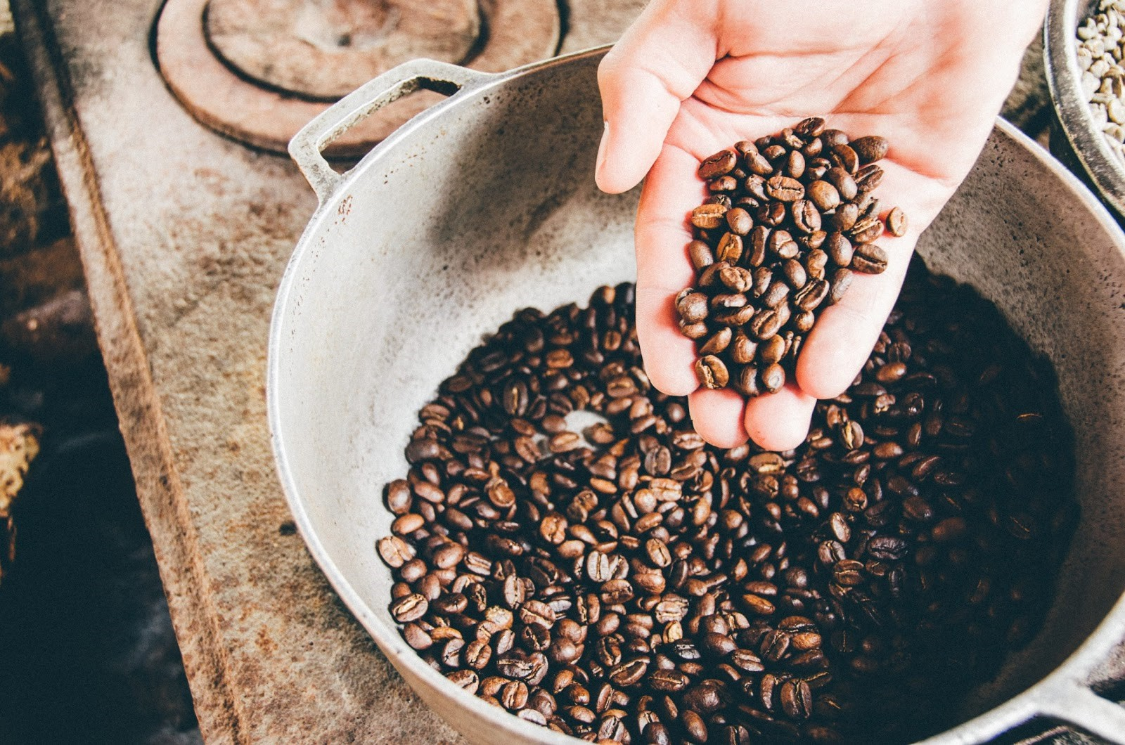 Rang thủ công cà phê tại nhà
